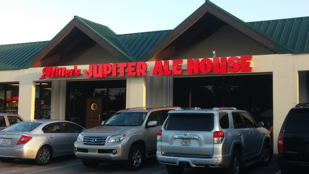 Nestled into a shopping center in the heart of Jupiter, the Jupiter Ale House is a town institution. It's been here almost as long as I have!