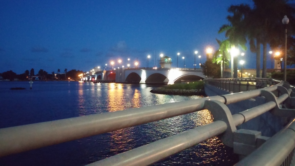 The Royal Park Bridge at nighttime.